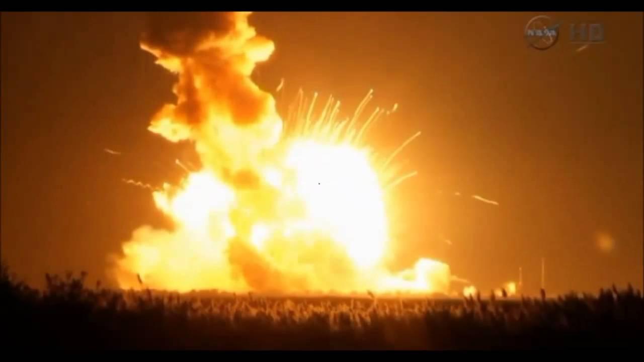 10/28/2014 -- NASA Antares Rocket Explosion at liftoff ...