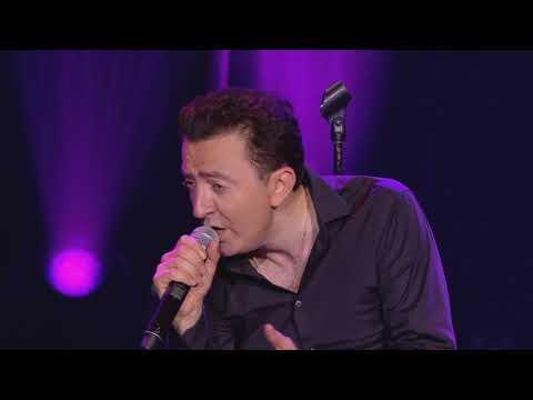 Gérald Dahan imite une quinzaine de chanteurs