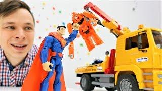 Детское видео про #игрушки: трансформеры, машинки и Супермен! Биск угнал машинки у Федора!