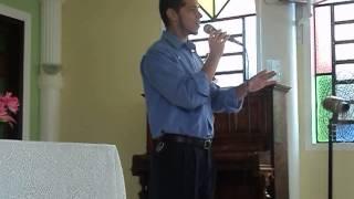 Marcelo cantando na IASD de Miguel Couto (Foi por Você)