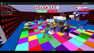 Was i invited to a party!?!? My FIrst Roblox PARTY!!!!!!!!!!!!