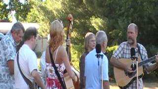 The Old Crossroads Is Waiting - Heartland Bluegrass Band