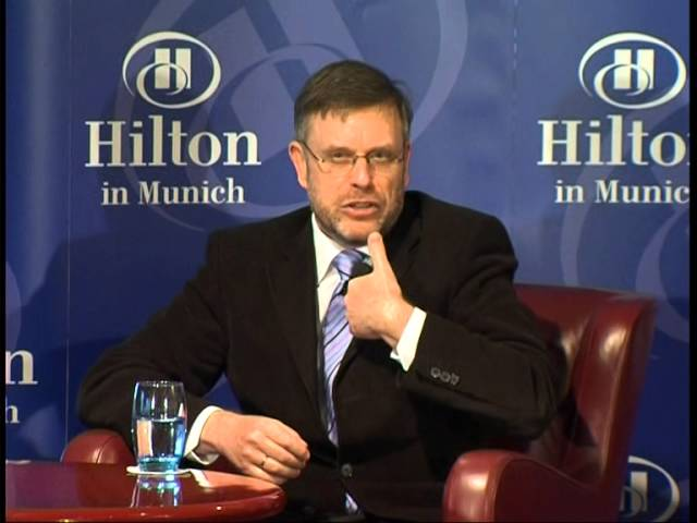 Prof. Dr. Gunter Dueck im Gespräch mit Michael Märzheuser beim Hilton Talk
