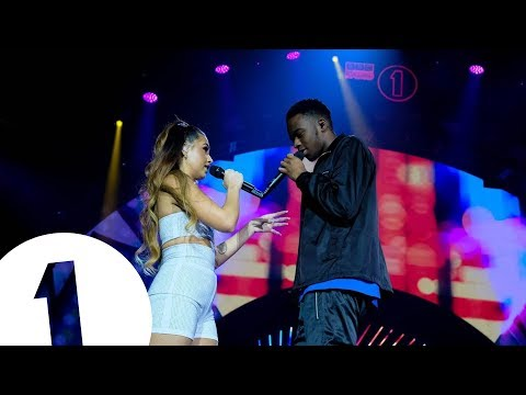 Mabel feat Not3s  Fine Line Radio 1s Teen Awards 2018  FLASHING IMAGES