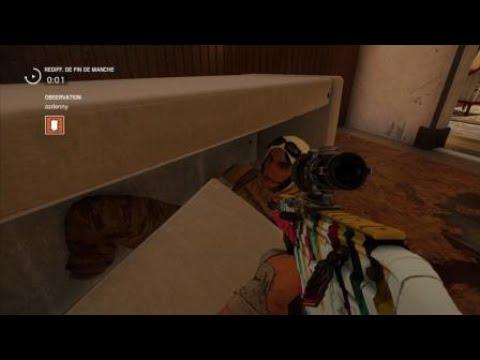 Rainbow Six-Nomad Se Cache Dans Un Canapé