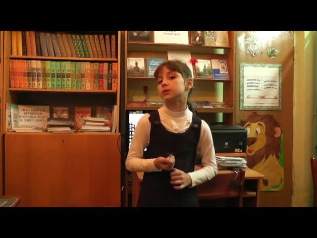 Изображение предпросмотра прочтения – АриаднаГорбунова читает произведение «Мартышка и очки» И.А.Крылова