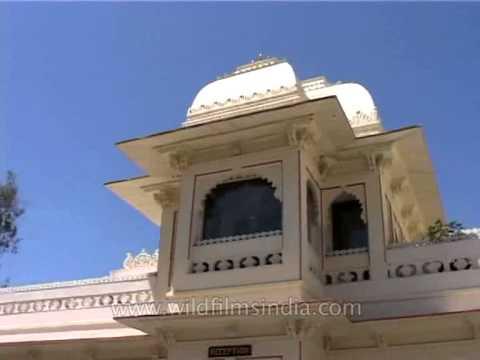 Samode Haveli: Quintessential Indo - Saracenic regal residence in Jaipur