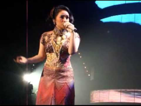 gita gutawa ft musikal laskar pelangi live at Grand launching Kompas tv