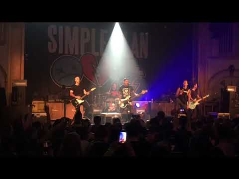 Responsibility Live in Seattle - Simple Plan and Mike Herrera play MXPX