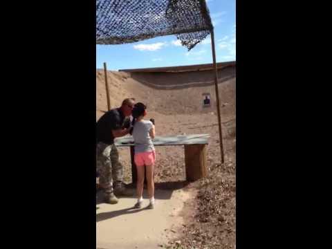 9-year-old girl shoots, kills arizona shooting instructor