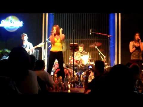 Moves like Jagger • Bárbara Muñoz (BKS)