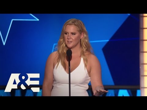 Amy Schumer Wins Best Actress in a Comedy | 2016 Critics' Choice Awards | A&E