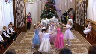 Танец снежинок средняя группа