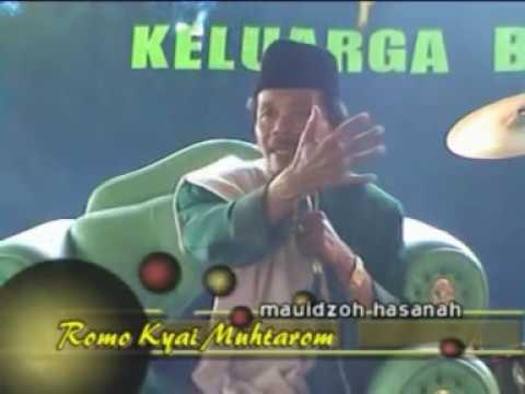 Kyai muhtarom Blitar di tulungagung dalam acara histutim 2
