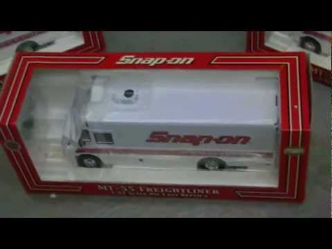Snap-On Freightliners 1:32 Scale WHITE Tool Delivery Trucks - New In Box!!! Three In Stock!