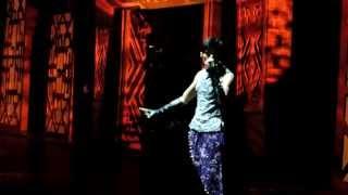 周杰倫与邓丽君穿越合唱  魔天伦世界巡回演唱会 香港站