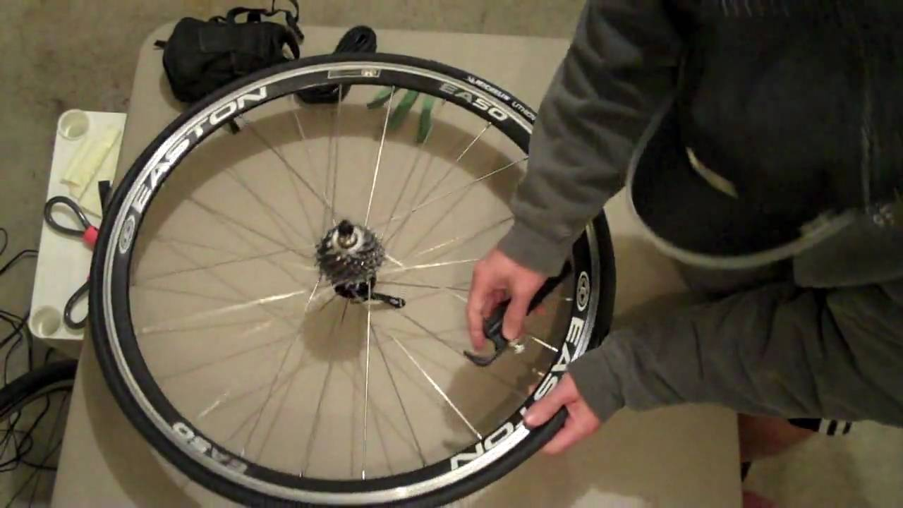 How To Change A Bike Tire With Co2 Youtube