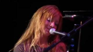 Alissa Moreno- Every Day- Live at the 2010 Key West Songwriters