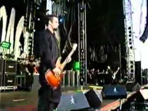 Papa Roach Between Angels And Insects Live 2001