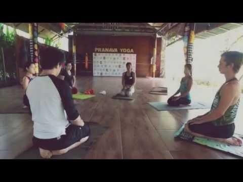 Work shop acro yoga @pranava yoga