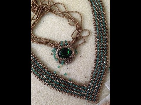"""""""V"""" Bling Necklace - A Bronzepony Beaded Jewelry  Design"""