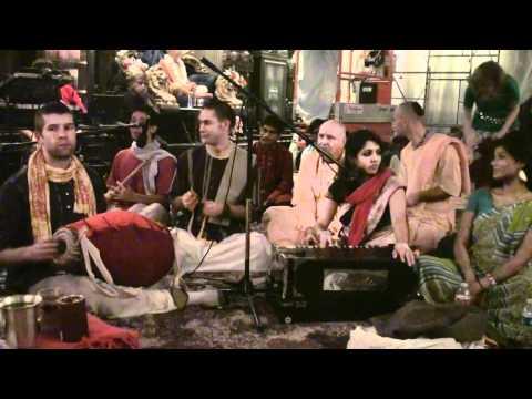 Bhajan - 24hr Kirtan - Gopi Gita dasi - 23/26