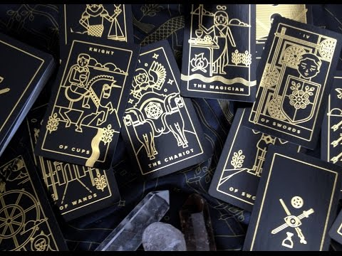 The Golden Thread Tarot Unboxing and First Impressions