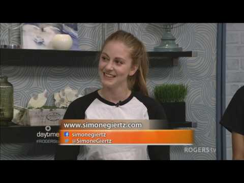 Youtuberr Simone Giertz and her robots
