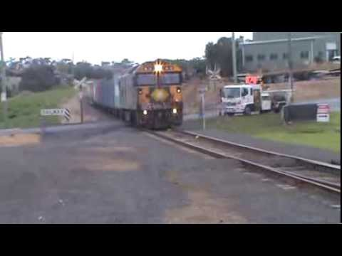 BL 32 on the Warrnambool Freight 13/09/2013