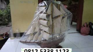 kruzensthem, jamescook james cook, blackpearl black pearl, Miniatur kapal perahu