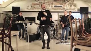Смотреть клип Bane Mojicevic - Grme Trube