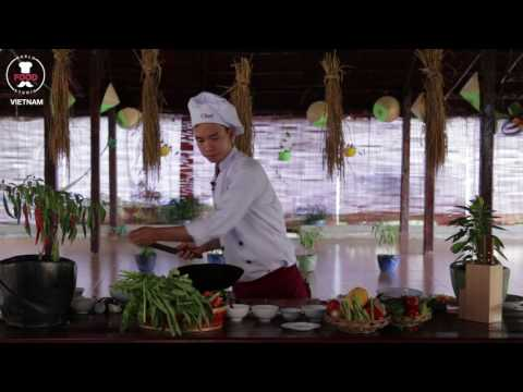 Vietnamese Special Chicken Fried Rice  - Com Chien Ga Nghe - Chef Tan - World Food Studio