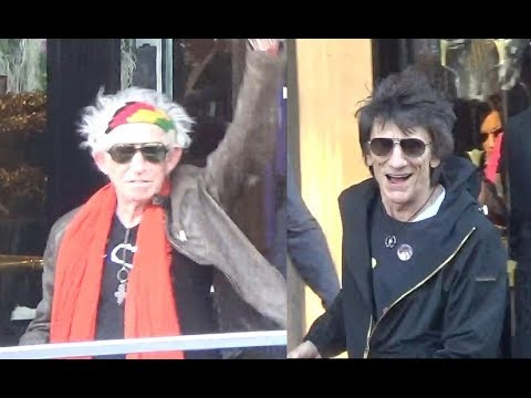 VIDEO Ronnie Wood & Keith Richards of The Rolling Stones Leaving Paris / october 26, 2017