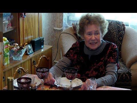 Ветеран педагогического труда Валентина Волкова принимала поздравления с 90-летним юбилеем