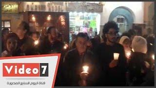 بالفيديو.. وقفة بالشموع فى شارع 26 يوليو للتنديد بتفجير الكنيسة البطرسية