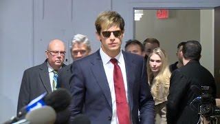 Milo Yiannopoulos resigns from Breitbart after child sex comment