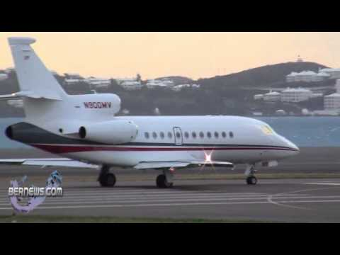 Windy Conditions: Plane Take Offs & Landings on Feb 20th 2011