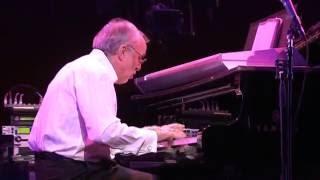 TOKYO JAZZ FESTIVAL Bob James - Piano Larry Carlton - Guitar Nathan...