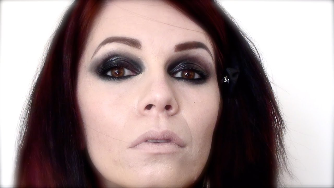 tutoriel maquillage grunge gothic emo look youtube. Black Bedroom Furniture Sets. Home Design Ideas