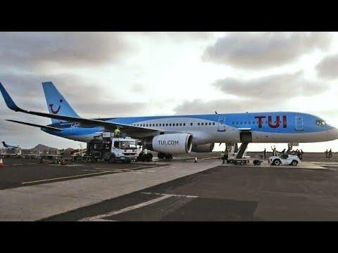 TUI Airways 757-200 landing Sal Airport