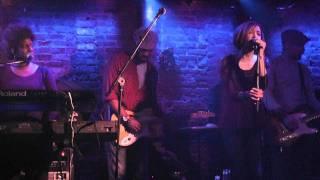 Amanda Brown performs Dream On at Village Underground