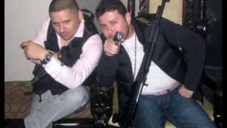 Larry Hernandez y Roberto Tapia - Gallo de Sinaloa