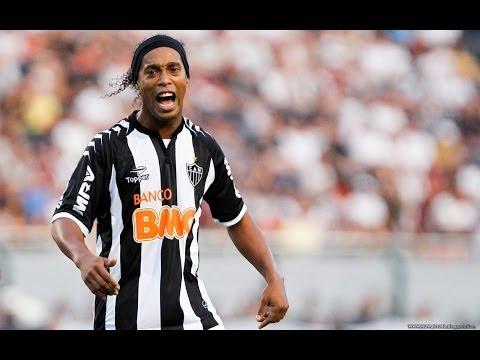 Những pha xử lý kỹ thuật của Ronaldinho 2013