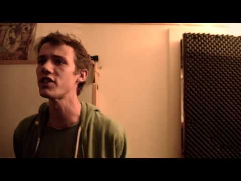 Вот это голос!!! Парень очень красиво поёт