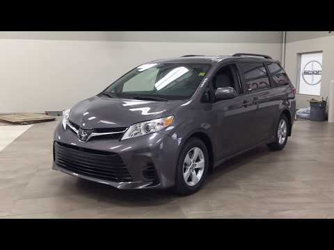 2019 Toyota Sienna LE FWD Review