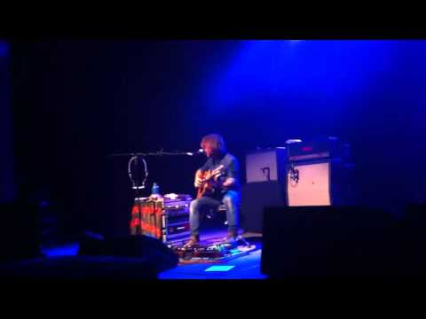 John Butler Playing Ocean In Calgary, Alberta 2013
