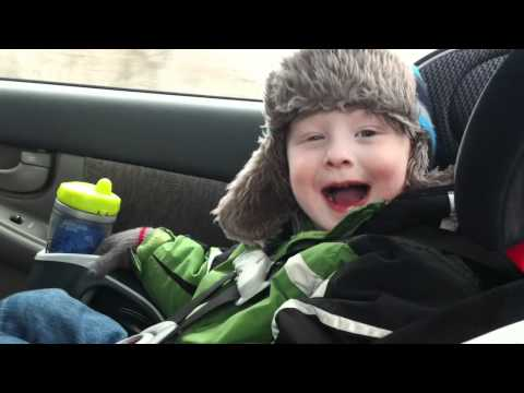 3 year old boy reviews E.T. movie