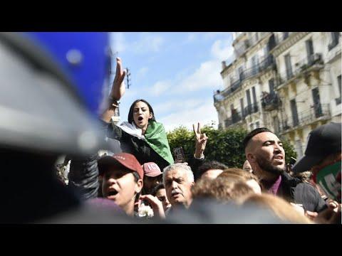 Nouvelle manifestation contre la candidature d'Abdelaziz Bouteflika à Alger