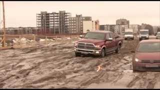 ЗАСТРЯВШИЕ МАШИНЫ В ГРЯЗИ НА ДОРОГЕ(дорогу ведущую к гаражам от города СЕВЕРОДВИНСКА, размыло после таяния снега. это повторяется из года в год., 2013-05-10T16:30:18.000Z)