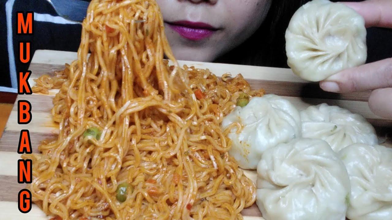 Download EATING CURRENT NOODLES AND MOMO ||DUMPLINGS #EATWITHJULIE #eatingshow #mukbang